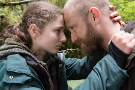 the stars of Leave No Trace